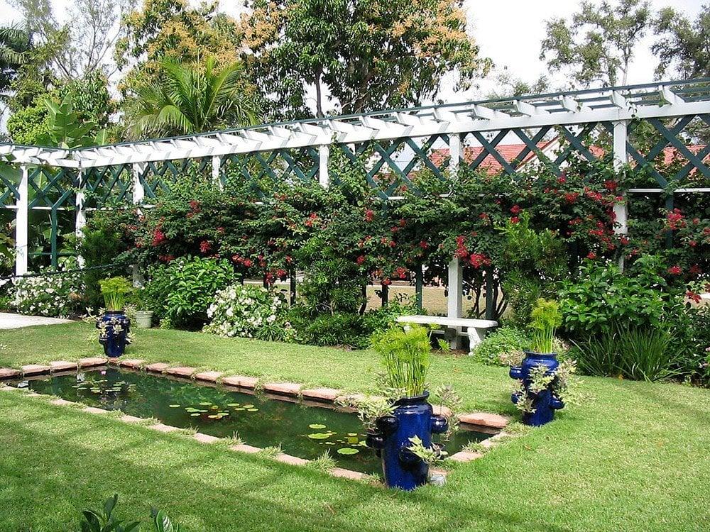 the moonlight garden in edison