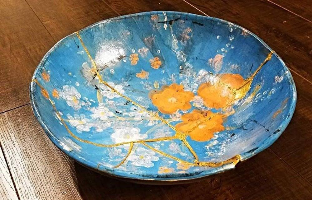 Kintsugi repair on ceramics